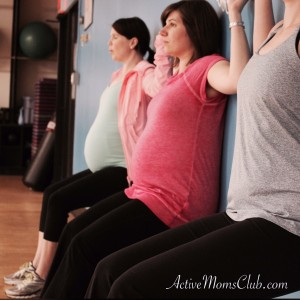 ActiveMomsClub_Wall Sit